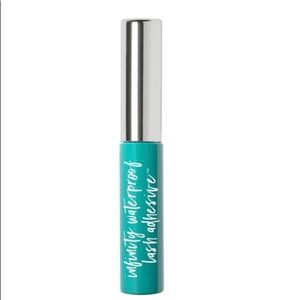 thrive causemetics Makeup - Infinity Waterproof Lash Adhesive